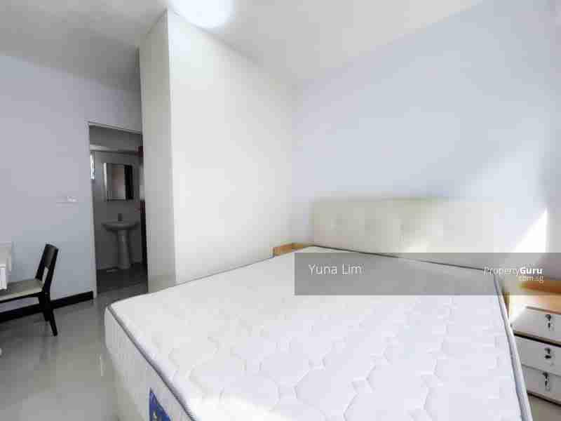 sengkang resale property 164B-Rivervale-Crescent Masterbed Room side view