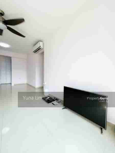 punggol resale property 266B-Punggol-way - Living Room white wall