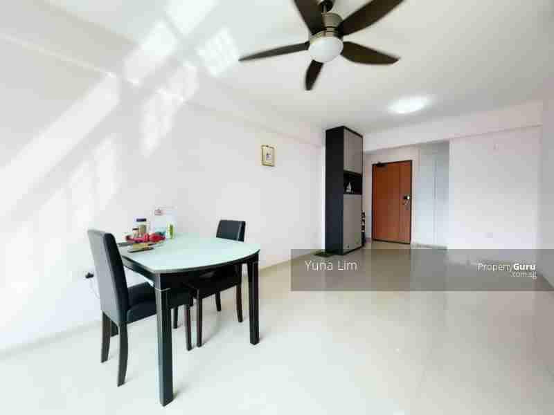 punggol resale property 266B-Punggol-way - Living Room