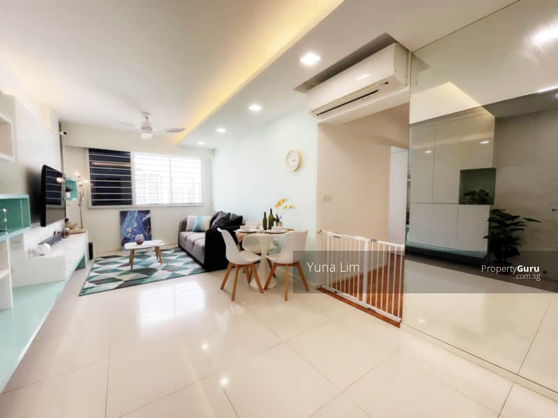 punggol resale property - 308c punggol - Living Room