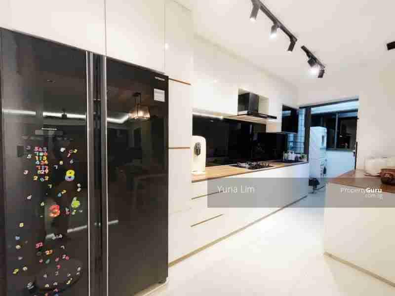 punggol resale property 310A-Punggol-Walk Kitchen