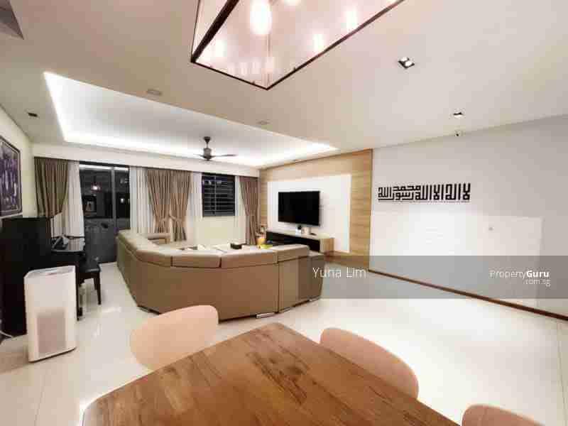 punggol resale property 310A-Punggol-Walk Living Room side view