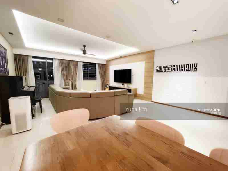 punggol resale property 310A-Punggol-Walk Living Room full view