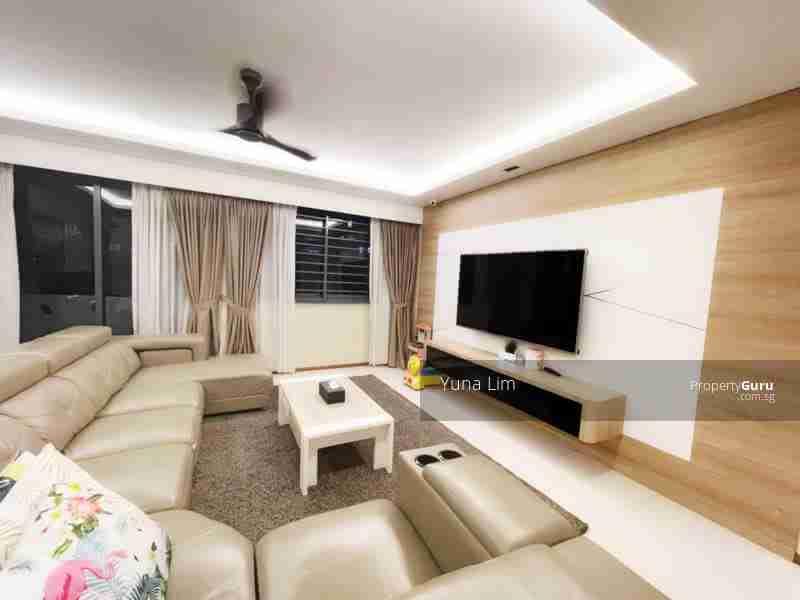 punggol resale property 310A-Punggol-Walk Living Room Sofa