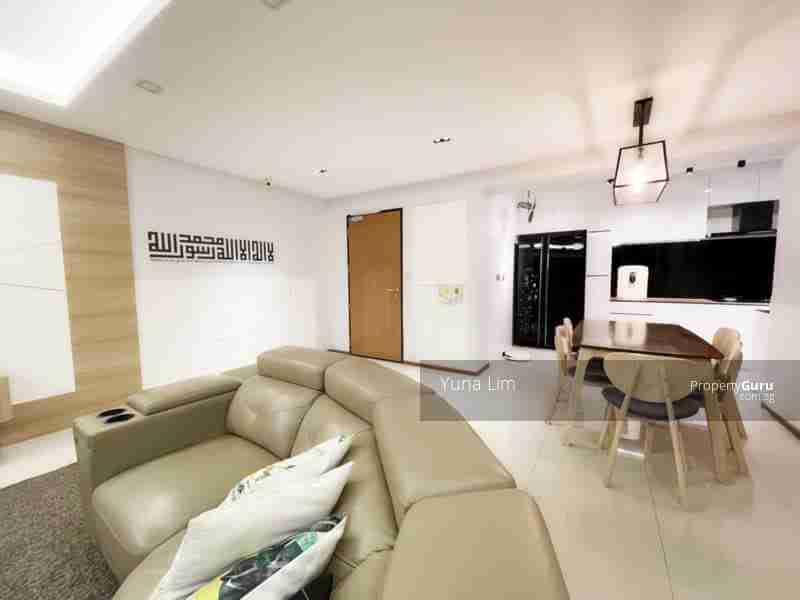 punggol resale property 310A-Punggol-Walk Living Room Kitchen View