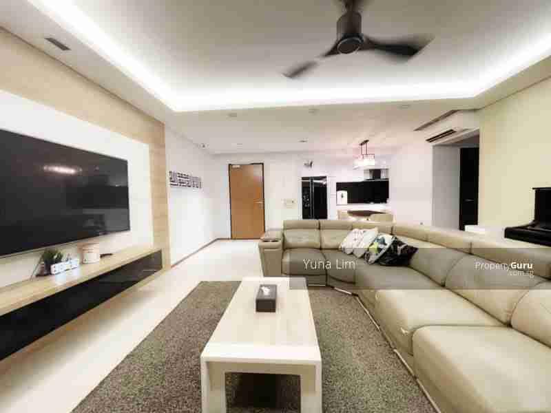 punggol resale property 310A-Punggol-Walk Living Room Corner View