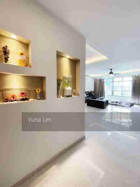 sengkang resale property 469B-Sengkang-West-Way - Living Room Entrance