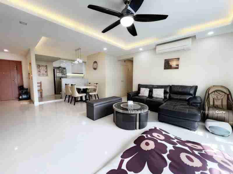 sengkang resale property 469B-Sengkang-West-Way - Living Room side view