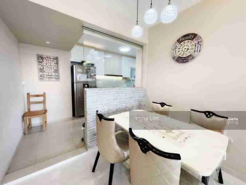 sengkang resale property 469B-Sengkang-West-Way - Living Room kitchen view