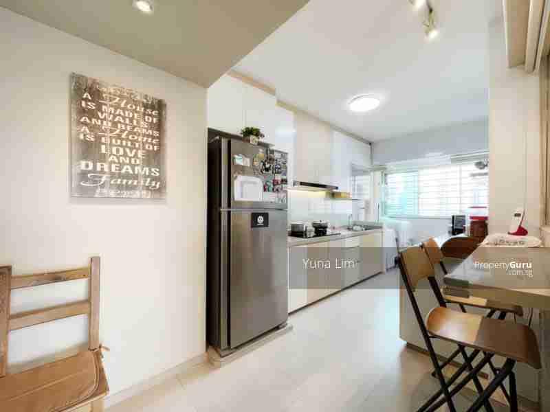 sengkang resale property 469B-Sengkang-West-Way - Kitchen