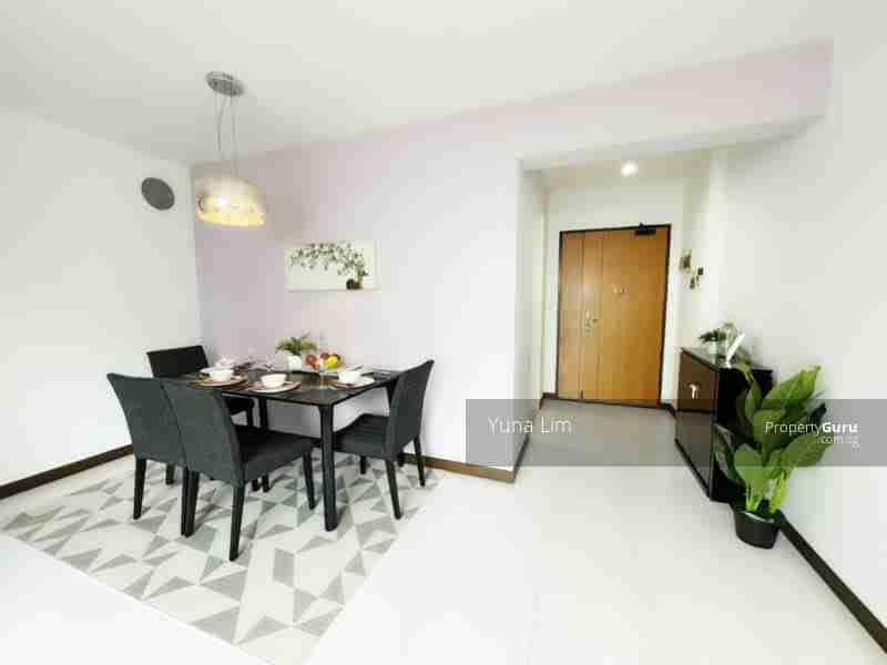punggol property 612A-Punggo4l-Drive-Singapore Living room dinning table