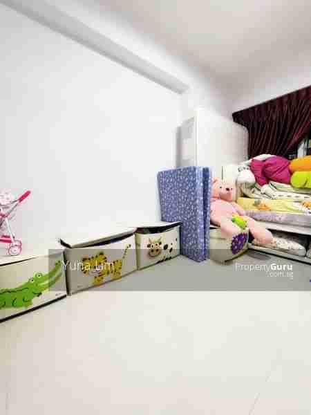 punggol resale property - 673B-Edgefield-Plains - kids room