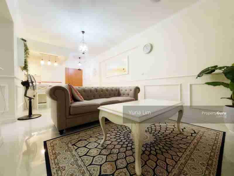 punggol resale property - 673B-Edgefield-Plains - Living Room side view
