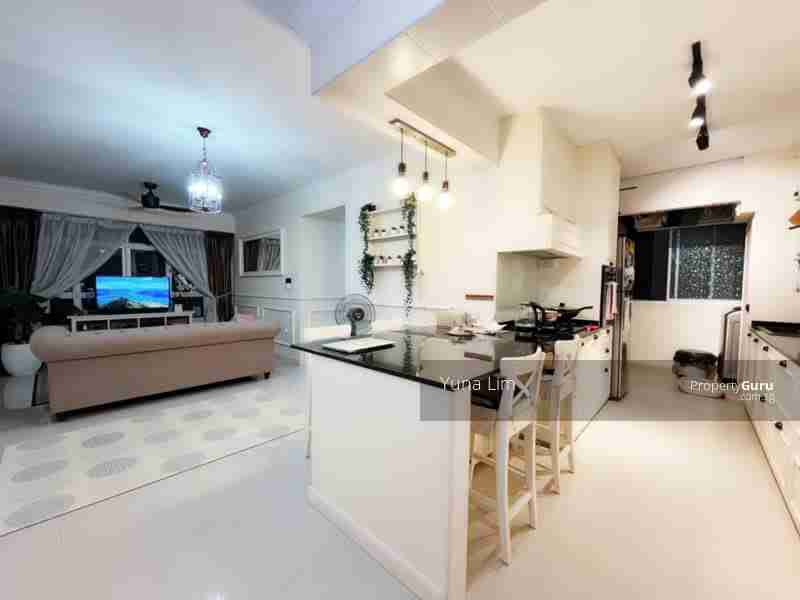 punggol resale property - 673B-Edgefield-Plains - Door view