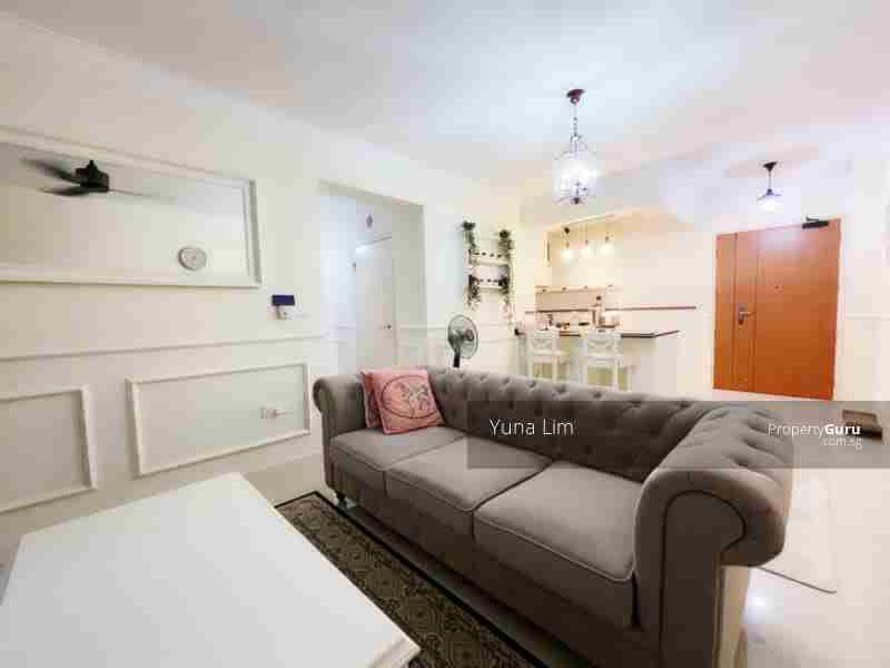 punggol resale property - 673B-Edgefield-Plains - Lving Room with sofa