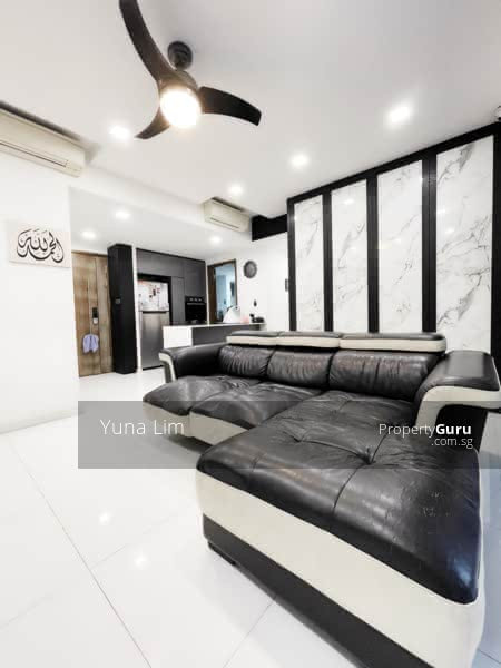 punggol resale property - Ecopolitan - Living Room kitchen view