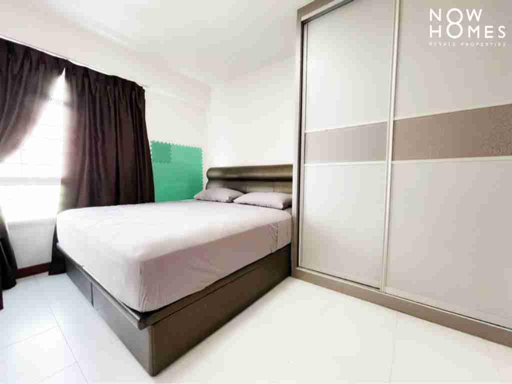 sengkang resale property - 445a fernvale - Bedroom window