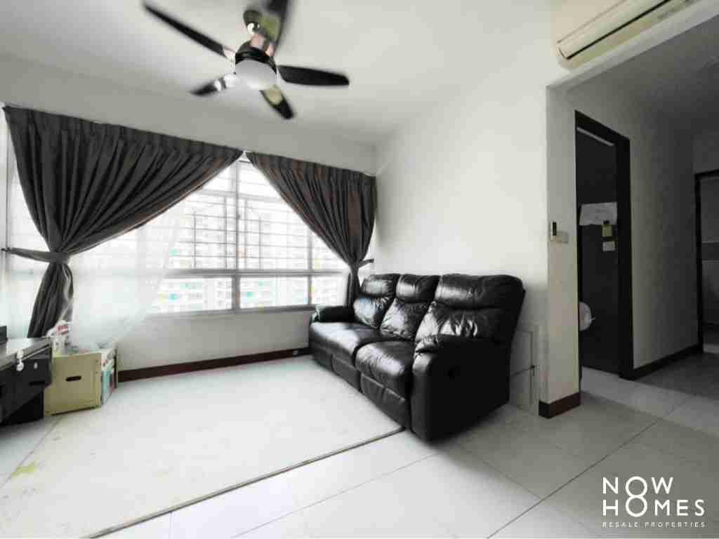 sengkang resale property - 445a fernvale - Living Room sofa view