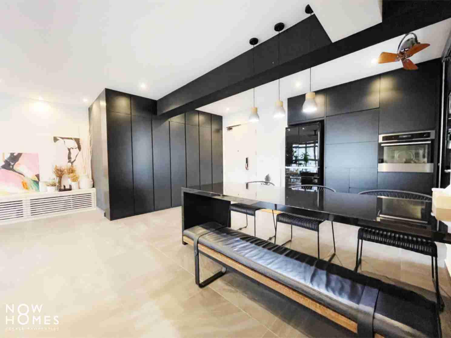 sengkang resale property - 288 compassvale - Living Room bench Doorview another image
