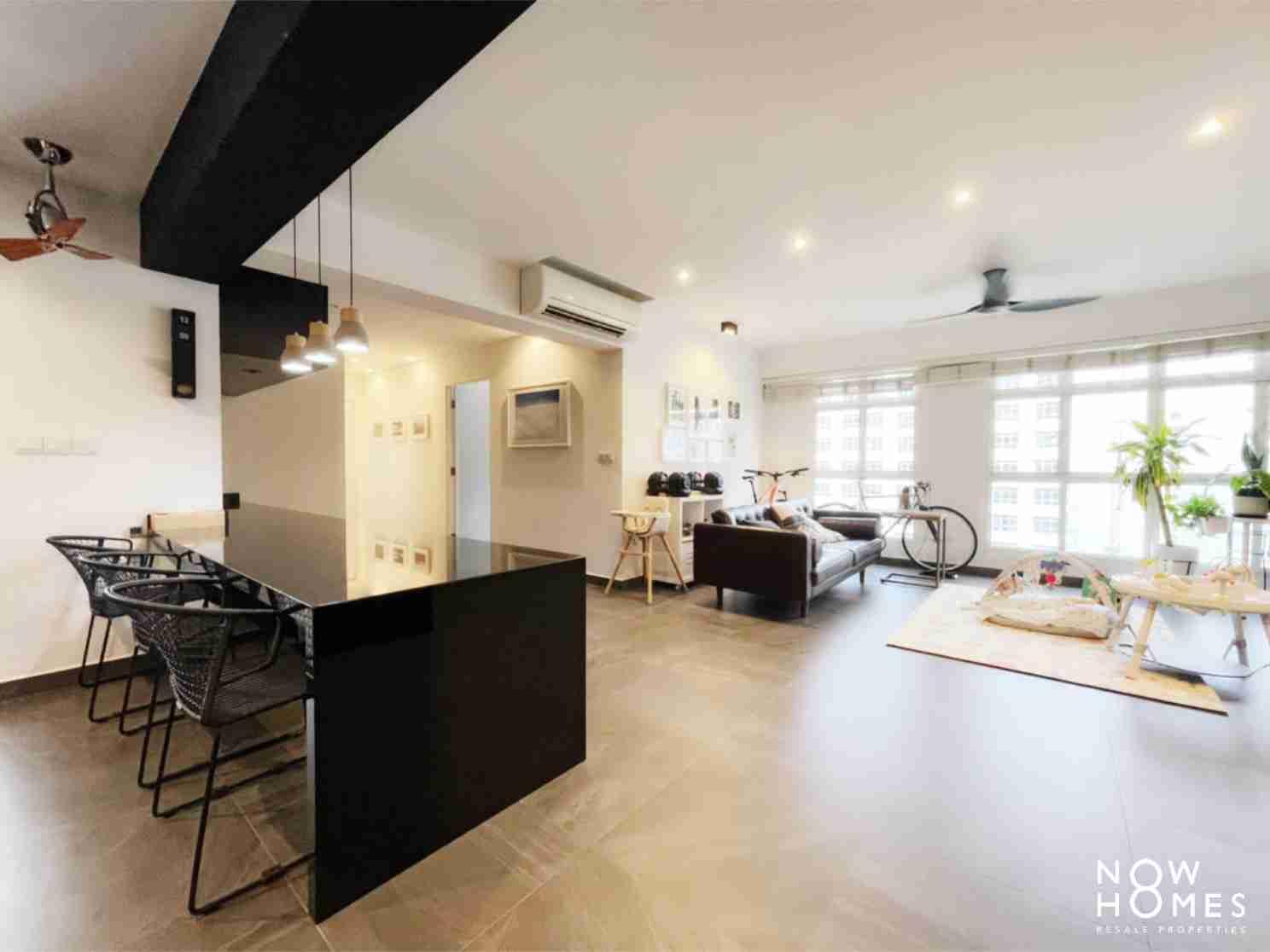 sengkang resale property - 288 compassvale - LIving Room