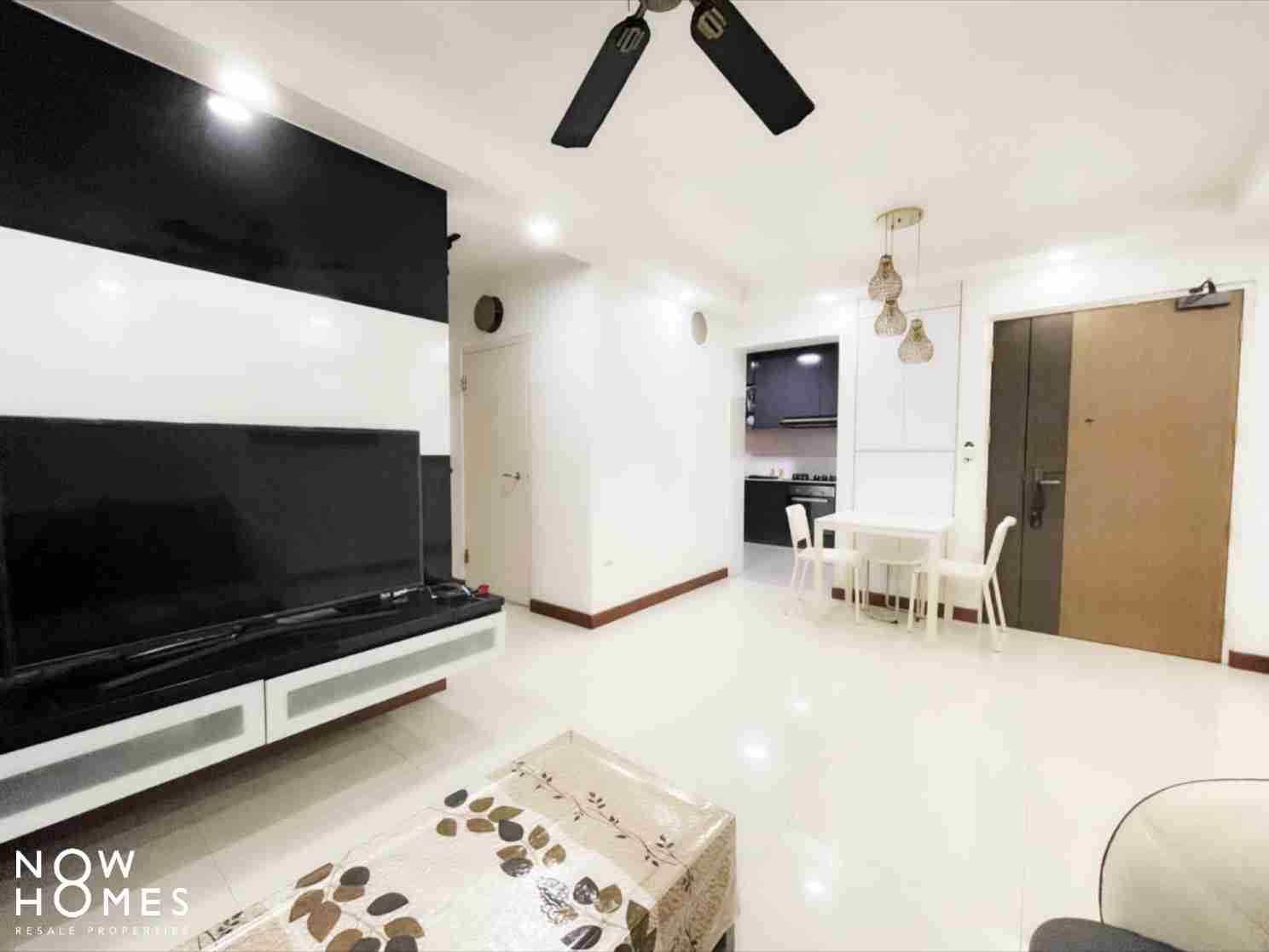 punggol resale property - 215a - White Living Room Kitchenview