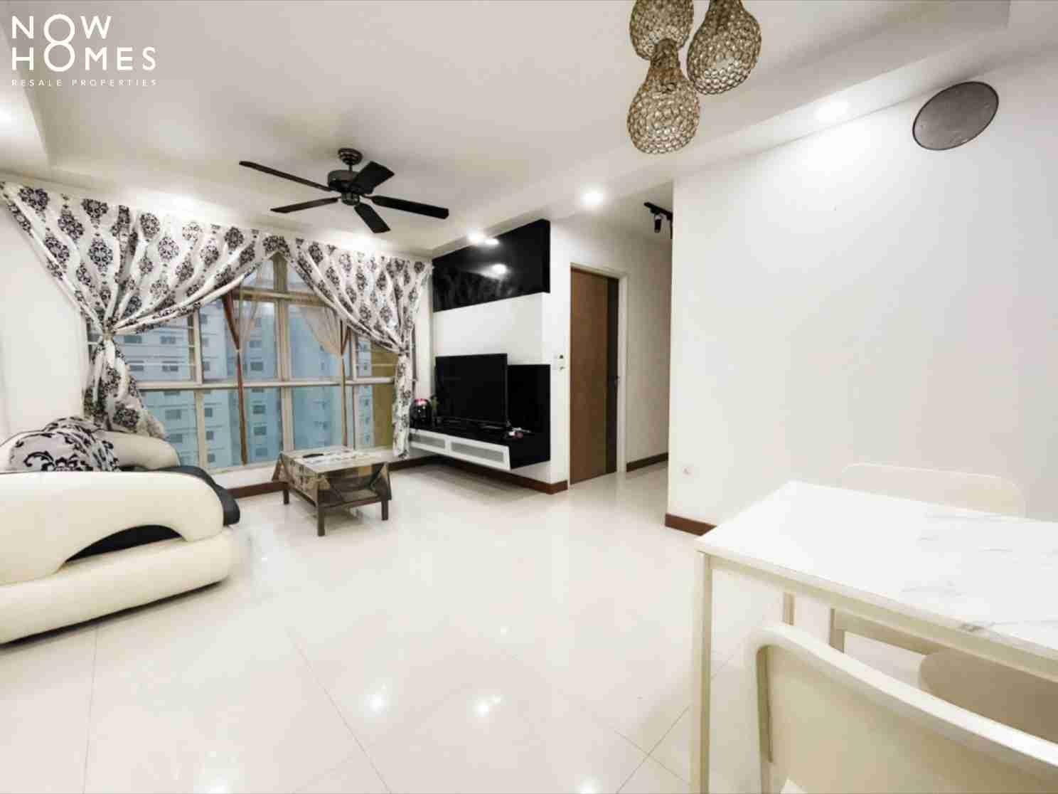 punggol resale property - 215a - White Living Room