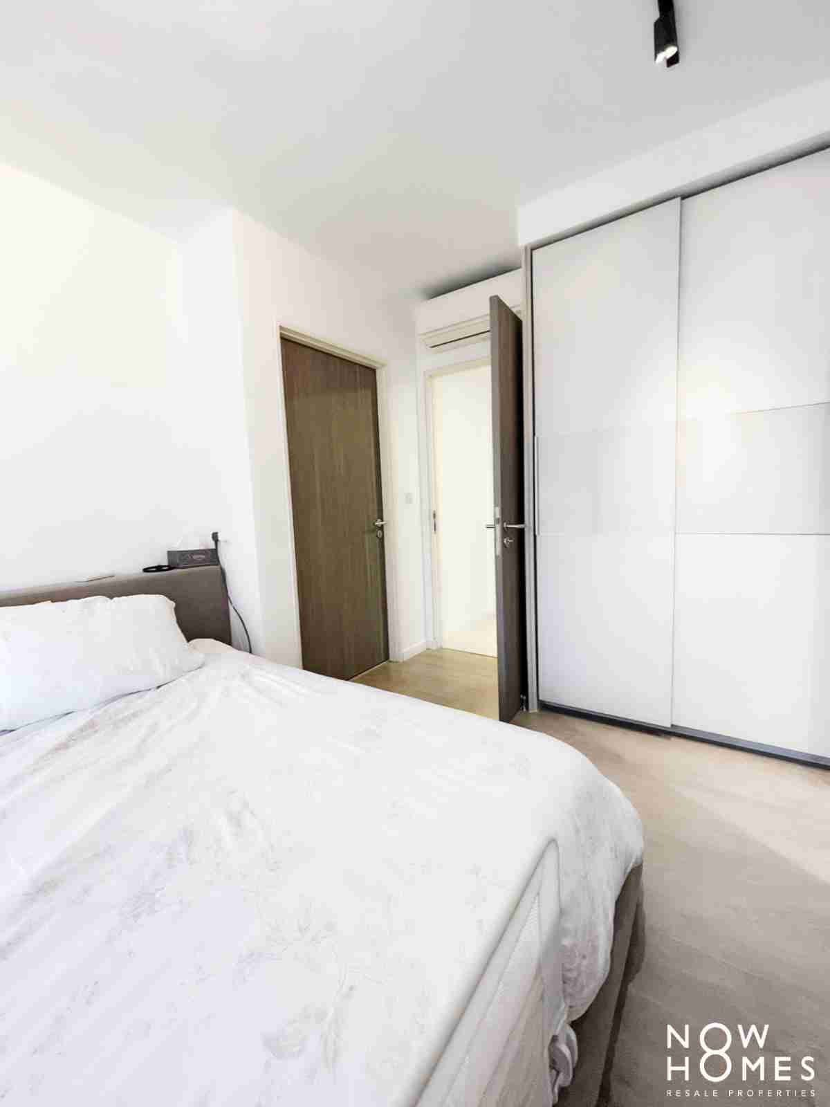 buy and sell property - 530C Pasir Ris Drive 1 - Masterbed Entrance